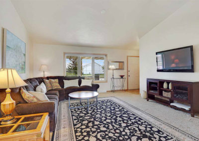 Anew Home Staging of Living Room in De Pere, WI